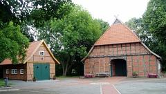 Vogelers Haus mit kleinem Vogelhaus©Heimatverein Holtorf